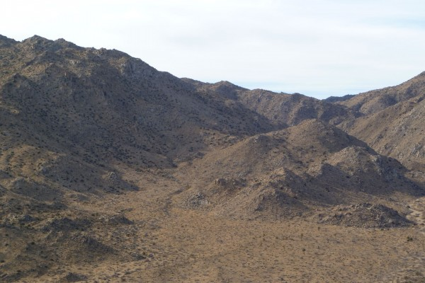 A closer look at the bowl on the southerly slopes of the mouth of Smith Water Canyon, explored in JT42. There is an area of Serin tower cell coverage at the rocky peaks on the upper left.