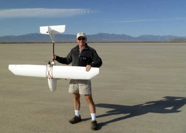 So THIS is just how big the sucker is. The buildings on the right side of the image in the background, just above the edge of the dry lake bed, are the General Atomics drone testing facilities. They seem to have better luck than I.