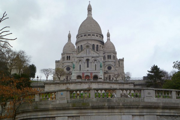A boring tourist pic on a gloomy day of Sacré-Cœur just to prove we were really there.