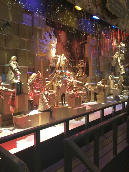 One of the Printemps animated window displays.