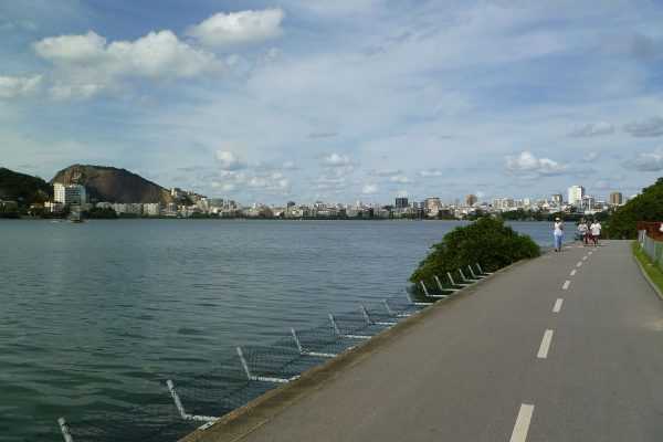 Walking back from the botanic gardens along the lagoon's perimeter bike trail. That's Ipanema in the distant center.