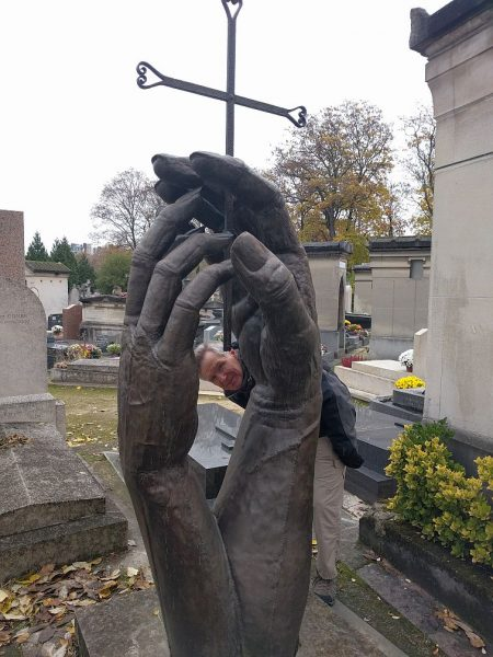 Wandering through the very unusual Montparnasse Cemetery.